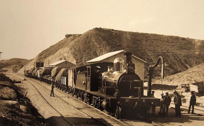 Estacion de Fines Olulla. Lorca a Baza y Aguilas, , año 1895, foto Gustavo Gillman