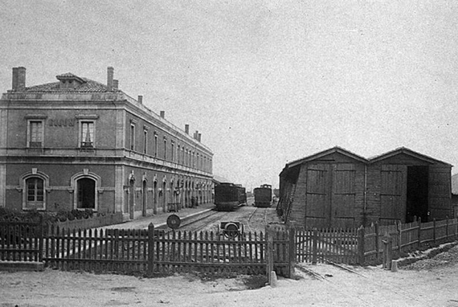 Estacion de Gijón , año 1884, fotografo desconocido