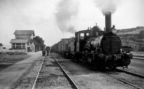 Estación de Granollers, locomotora Norte 1694, c.1930, Coleccion Roisin IEFC-ACM-9-7600