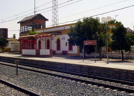 Estación de Guadajoz, linea de Córdoba a Sevilla, foto José Castaño