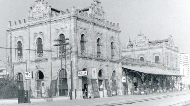 Estacion de Huelva, año 1972, fotografo Juan Bautista Cabrera, fondo AHF- FF- 17929