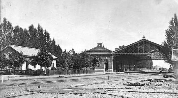 Estacion de León, foto J. Laurent, fototeca del Instituto del Patrimonio Cultural de España