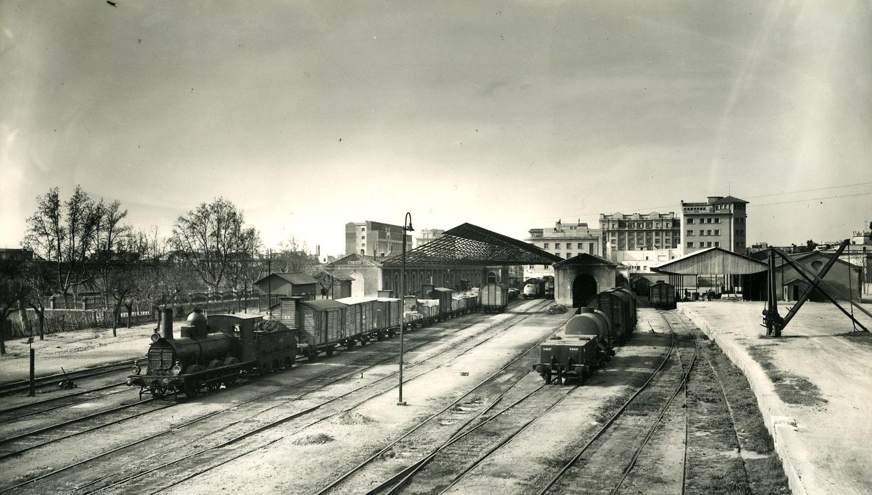Estacion de Reus Avenida (Norte), fotografo Francisco Rivera, fondo Museu del Ferrocarril de Catalunya