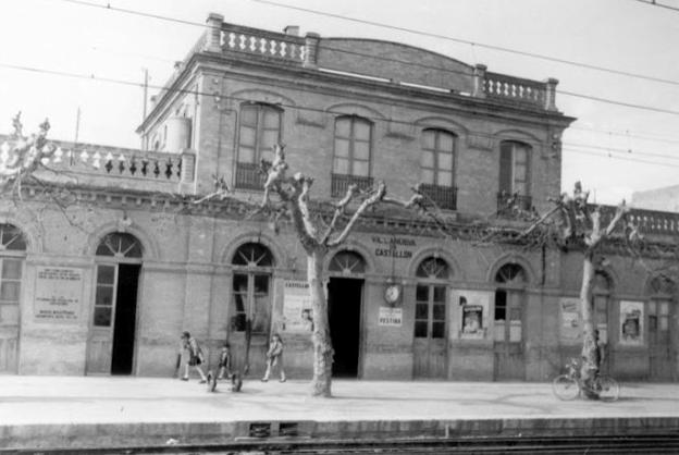Estación de Villanueva de Castellón, año 1964, foto V. Marquez, archivo AHFGV