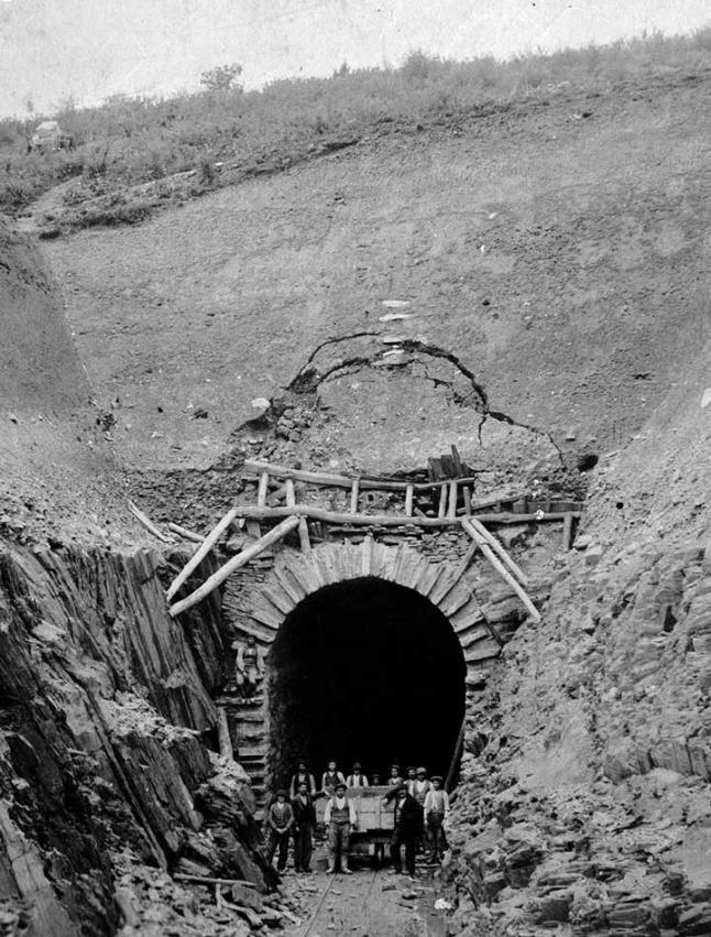 Farrocarril de Villaodrid, perforacion de túnel , fotografo desconocido