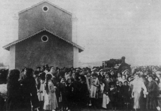 Fc de la Marina, llegada del primer tren a Gata, archivo Vicente Ferrer y Hermenegildo