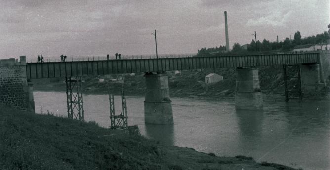 Ferrocarril de La Loma , vista puente, foto M. Salinas,