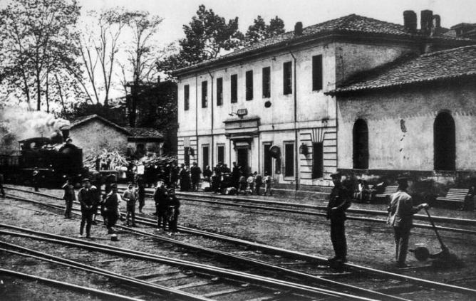 Ferrocarril de Langreo, Estacion de Vega fondo Archivo Historico Minero