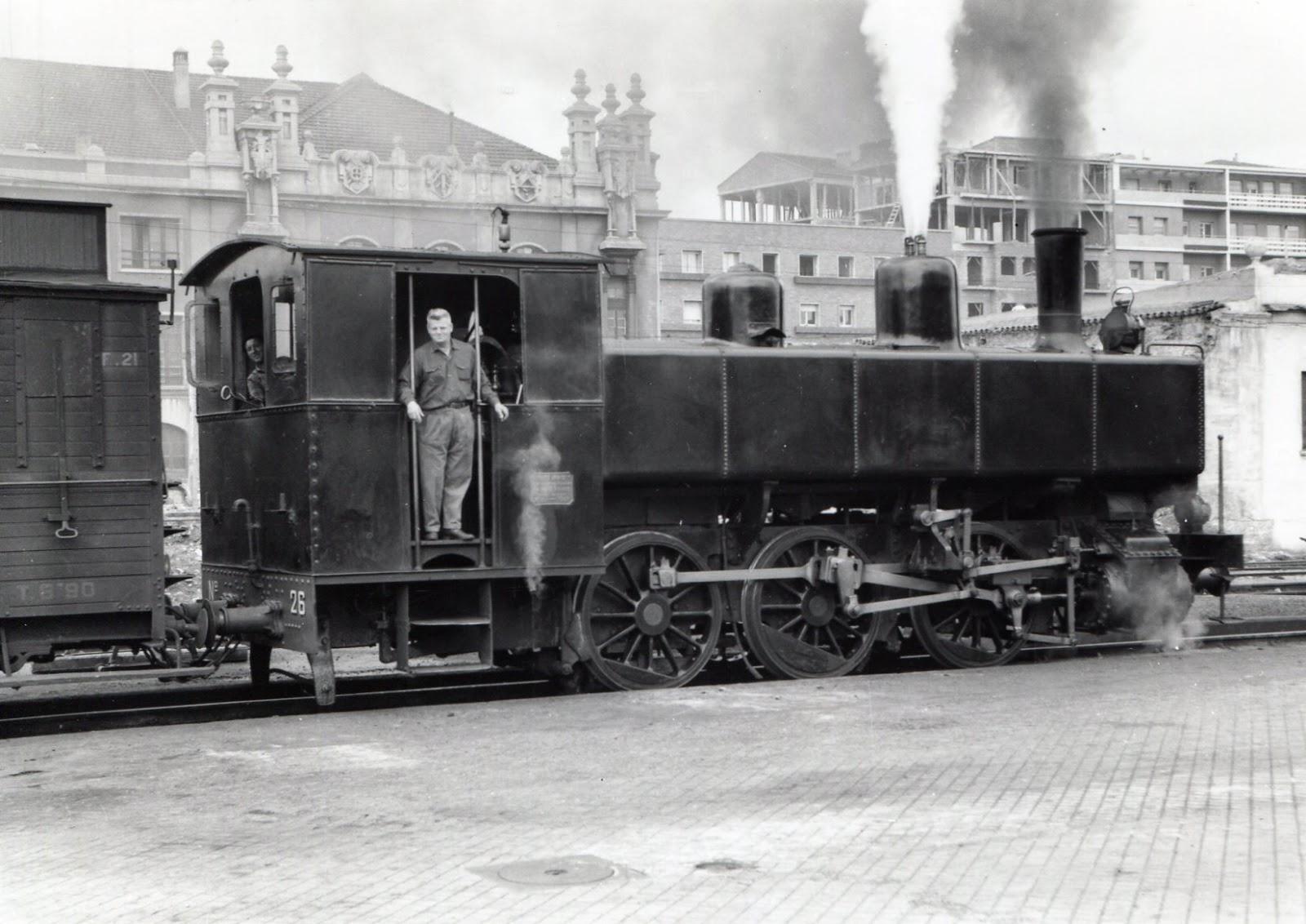 Ferrocarril de Langreo Locomotora nº 26 , foto Lawrence G. Marshall, fondo MVF