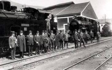 Ferrocarril de la Robla , visita del Consejo de Afministracion a las instalaciones. Archivo del Museo del Ferrocarril de Asturias