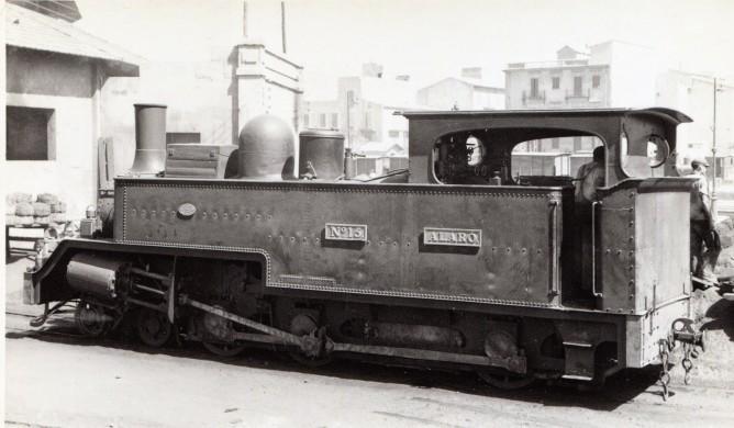 Ferrocarriles de Mallorca , locomotora nº 15 ALARO, año 1958, foto Frank Jones, fondo MVF