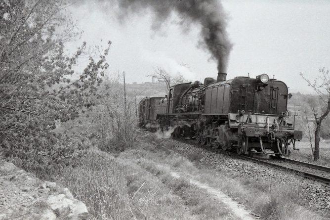 Garrat de Renfe , linea del Central de Aragón, abril 1961, foto Trevor Rowe, fondo MVF
