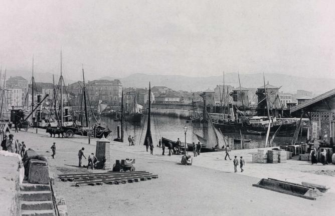 Gijon , puerto Viejo y cargaderos de mineral, fondo BNE