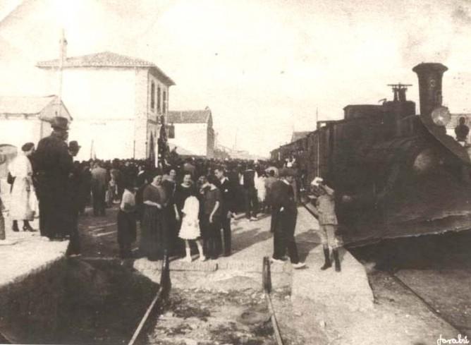 Inauguracion de la linea de vía ancha de Valencia a Liria. Fondo Biblioteca Valenciana