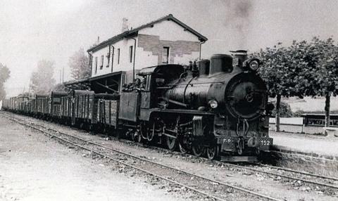 La Robla , tren carbonero en la esta ción de DEspinosa de los Moneros, foto Harold Nave