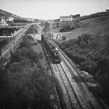 Lasarte, puente del ferrocarril, foto Aurelio de Colmenares, fondo Fototeca del P.H.