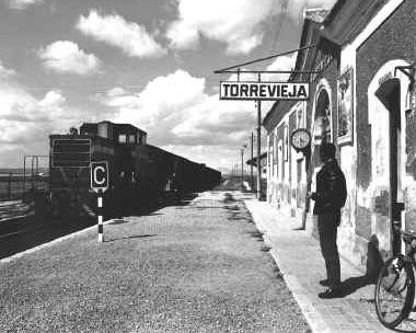 Linea de Albatera a Torrevieja, estacion de Torrevieja