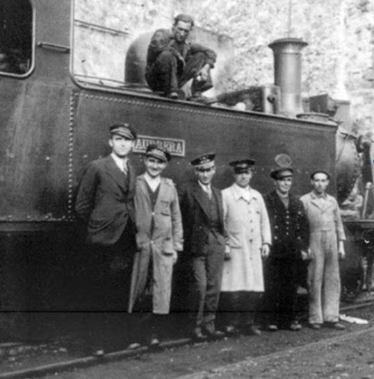 Línea de Bilbao a Lezama, la Aurrera de F.Vascongados, en la estación de Calzadas en 1937, fondo MVF-Euskotren