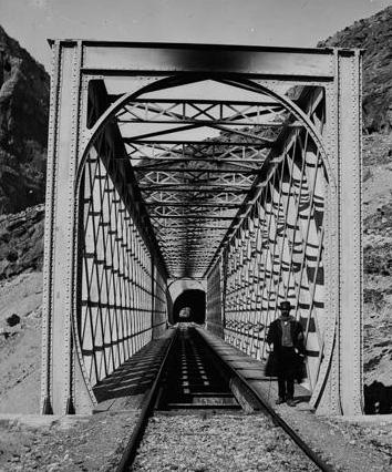 Linea de Córdoba á Malaga, viaducto de Gaytan, foto J. Lauren , Archivo R. Vernacci, Fondo Fototeca del P.H.