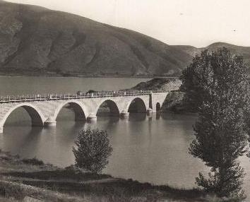 Linea de Lérida a Pobla de Segur , puente sobre el embalse de San Antonio, Postal Comercial, fondo JPT