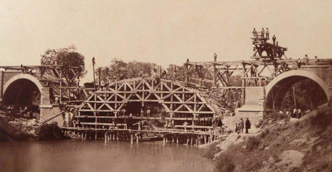 Linea de Madrid a Irún , puente Principe Alfonso sobre el Pisuerga,año 1858, foto Charles Clifford, fondo AHF-F-0198