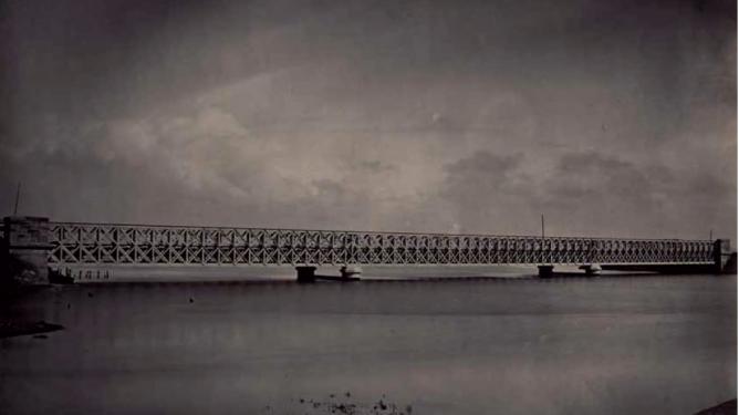 Linea de Sevilla á Cadiz, puente de San Pedro, año 1866, fotografo J. Laurent. Fondo Museo Universidad de Navarra