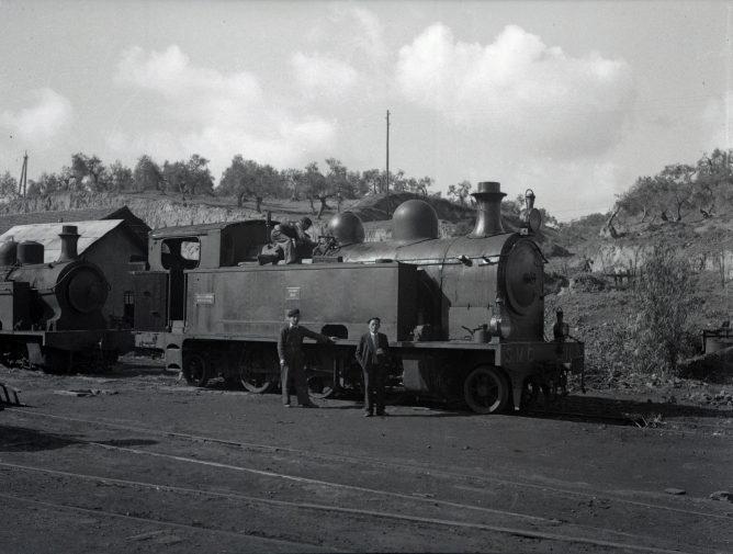 locomotora-borsig-junta-a-las-cocheras-de-san-juan-de-aznalfarache-archivo-paco-alcazar