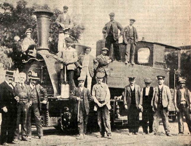 locomotora-mentrida-con-personal-de-la-compania-ano-1912-archivo-revista-adelante