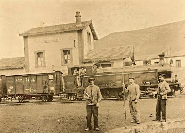 Locomotora ZUFRE en San Juan deAznalfarache , año 1910, Fondo Alcazar