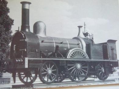 Locomotora en la estación de Chamartin de Madrid , foto. Todocolección