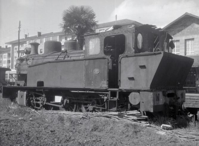 Locomotora nº 11 del Vasco Navarro , estacionada en Guernica