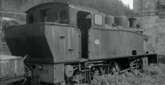 Locomotora nº 16 en Zugastieta, entre Mujica y Amorebieta