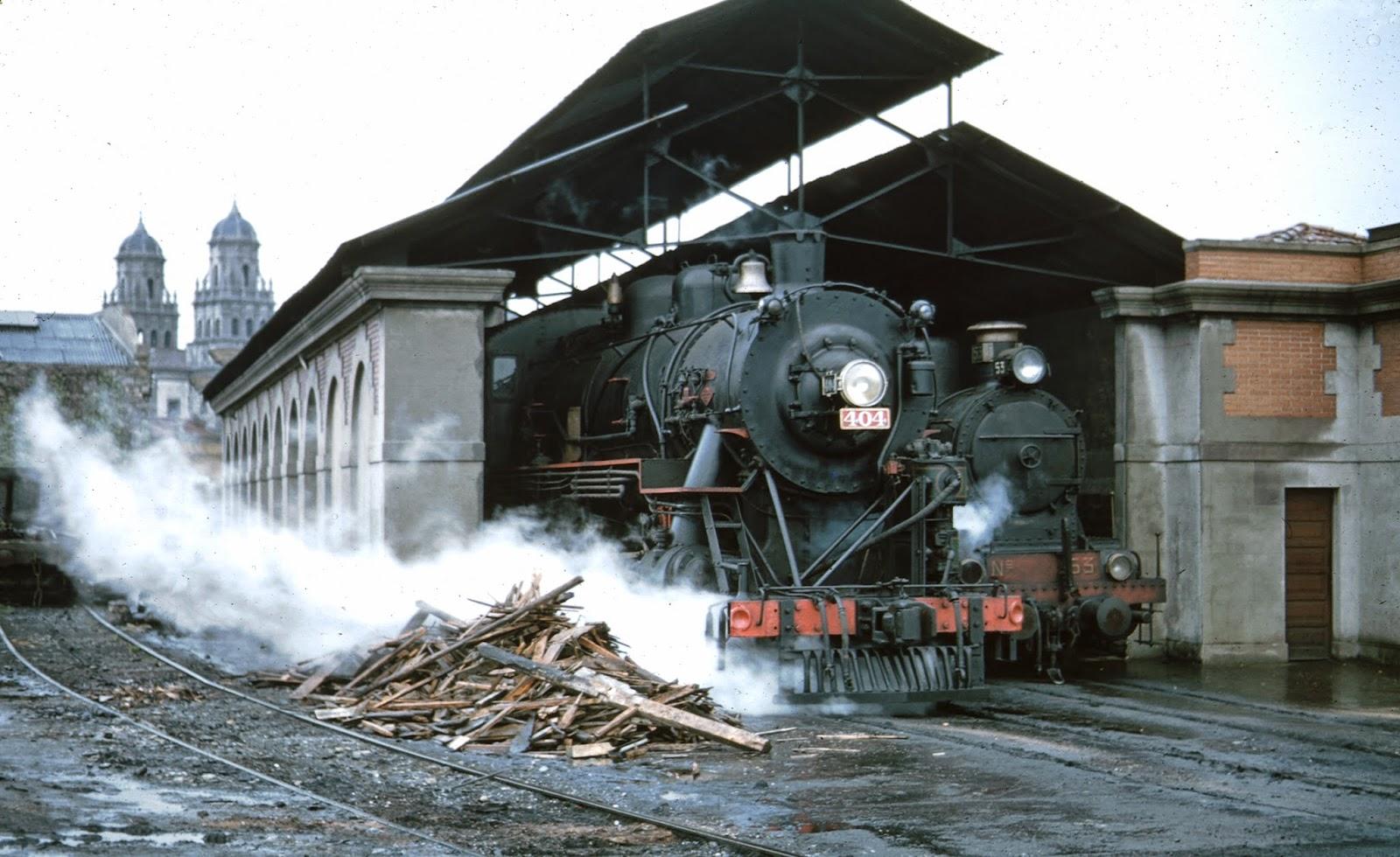 Locomotora nº 404 en Gijón , Ferrocarril de Langreo, foto Peter Willen, fondo MVF
