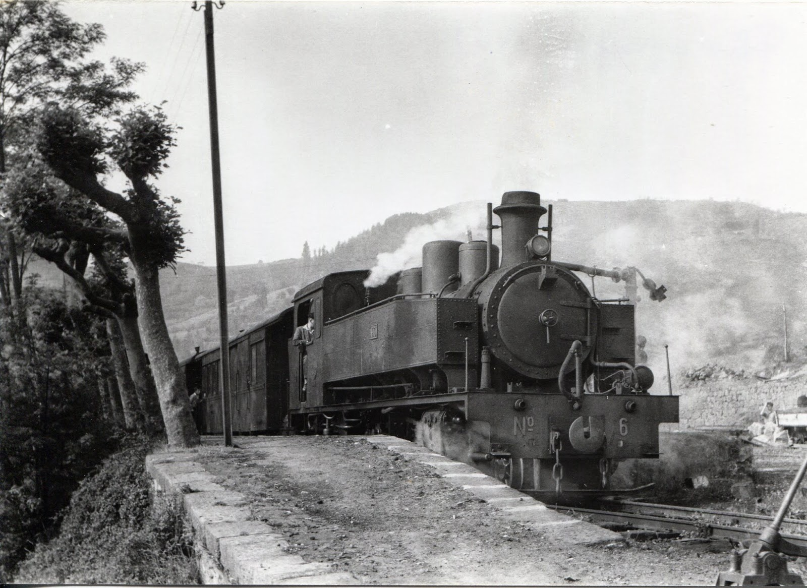 Locomotora nº 6 construida para el Ferrol- Gijón , foto John Blyth , fondo Euskotren MVF