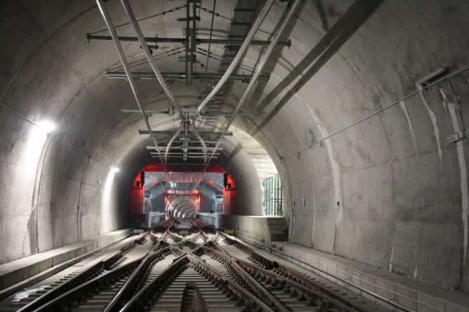 Estacion de Kabiezes, Metro de Bilbao, foto Carmelo Zaita