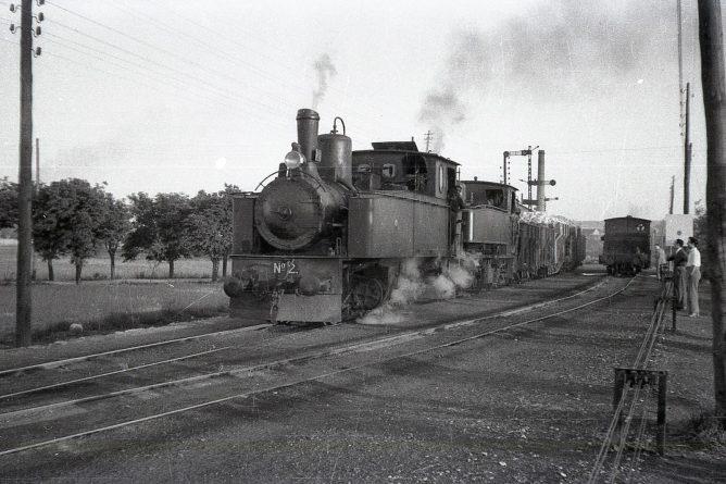 MFU , doble traccion en las cercanias de Zaragoza, abril de 1961, foto Trevor Rowe, fondo MVF