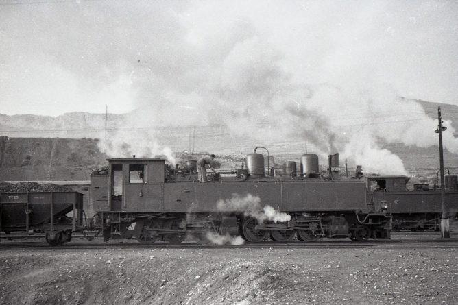 MFU, locomotora nº 204 en Rio Martin , foto Trevor Rowe, fondo MVF