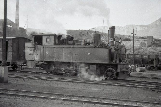 MFU, locomotora nº 7 en Rio Martin, foto Trevor Rowe, fondo MVF