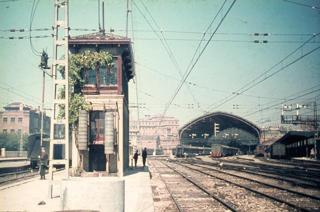 Madrid Atocha , 6 sept 1965, fotografo John Batts