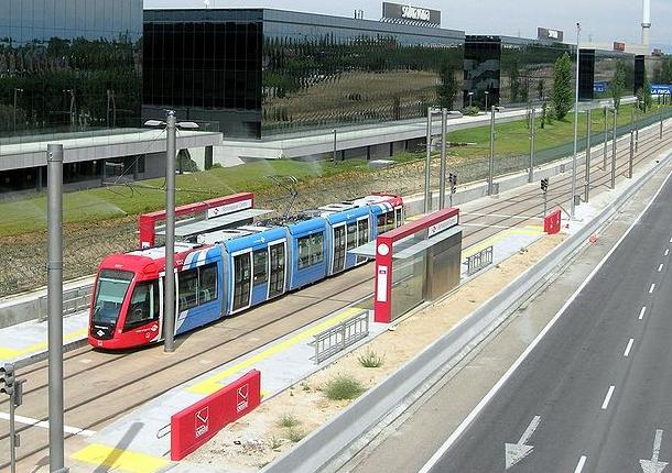 Metro Ligero de Madrid , linea 2, en Somosaguas Centro , fotografia Axe