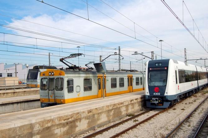 Metro de Valencia series 3606+4302 en Valencia sud, Fondo Enrique Andres Gramage