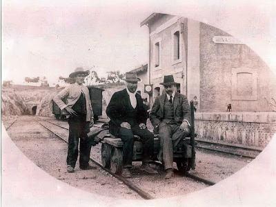 Minas del Castillo de las Guardas, zorrilla de servicio en 1910. fotografo desconocido