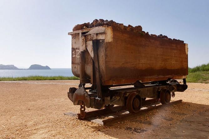 Cargadero de mineral de Mollari, vagoneta de vuelco lateral