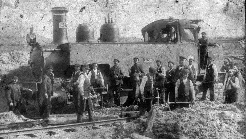 Nº 23 Porma, c 1900, Foto Triburcio Huertes, cerca de Cistierna , descarrilamineto, fondo Carmelo Zaita