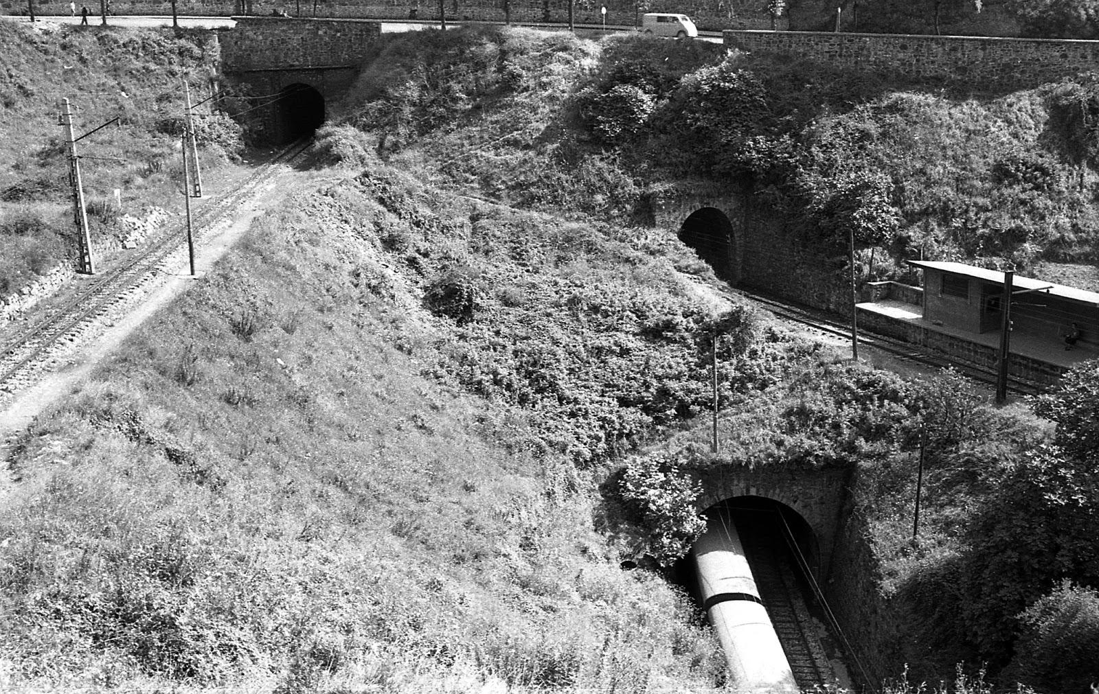 Cruce de las distintas lineas por la Vaguada de Recalde, año 1963,