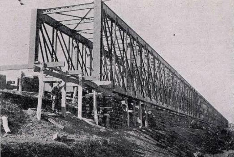 Nuevo puente sobre el Guadalquivir en Lora del Rio, año 1923, preparado para su lanzamiento, Revista Ingenieria y Construccion