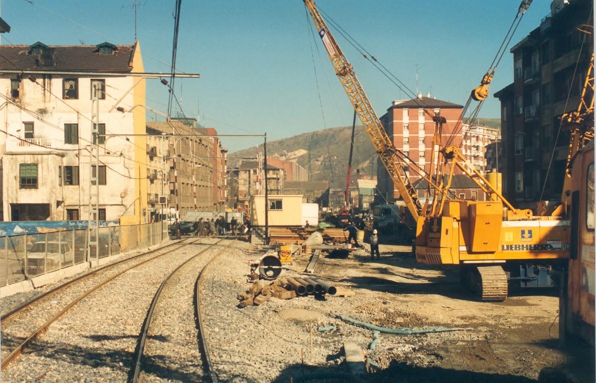 Obras del metro de Bilbao en la estacion de Erandio