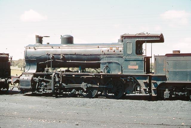 Palazuelo empalme - locomotora 040-2311, foto James M . Jarvis
