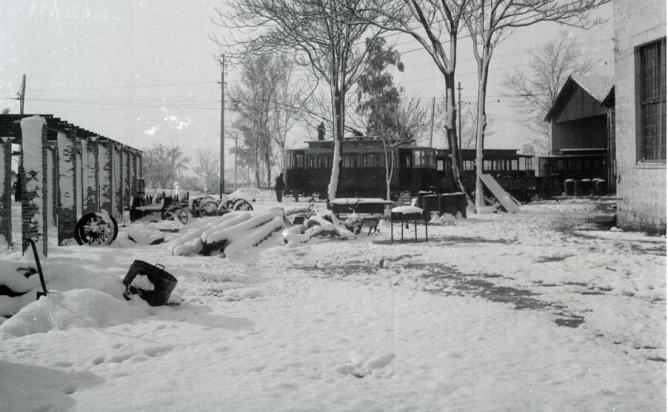 Panoramica de los talleres de Linares en la nevada del 14 de enero de 1945, foto M. Salinas