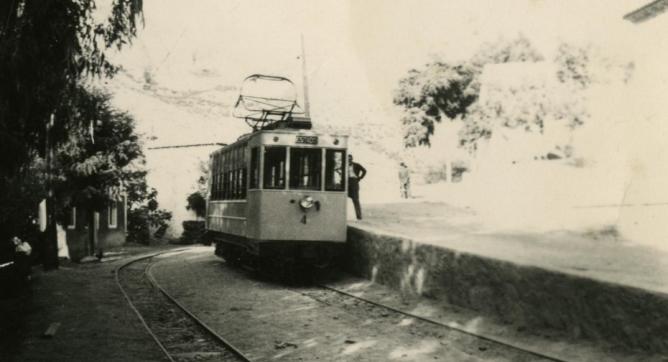 Pinos Genil .1943, tranvia de Sierra Nevada, foto Torrres Molina